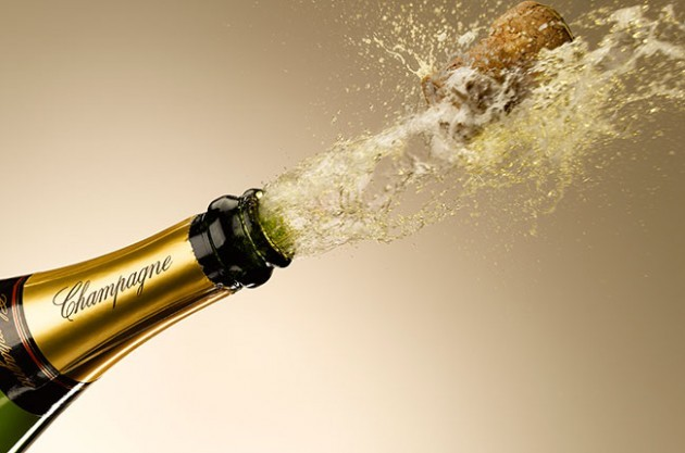 şampanya patlıyor