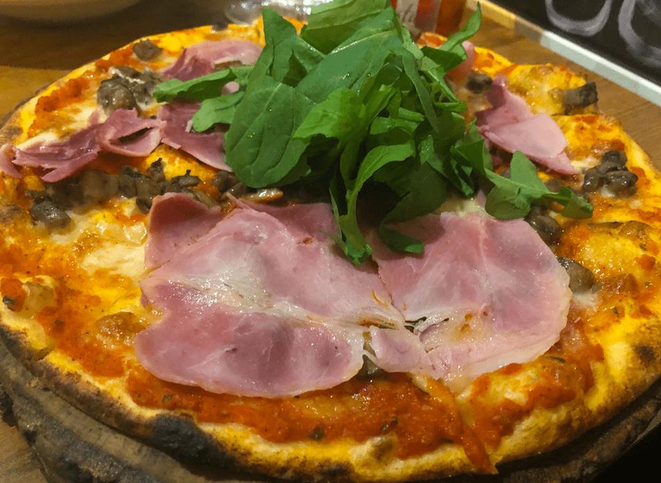zucca prosciutto pizza