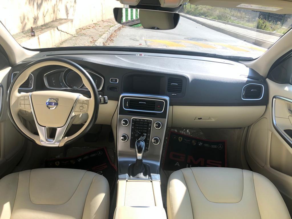 Volvo v60 ön konsol